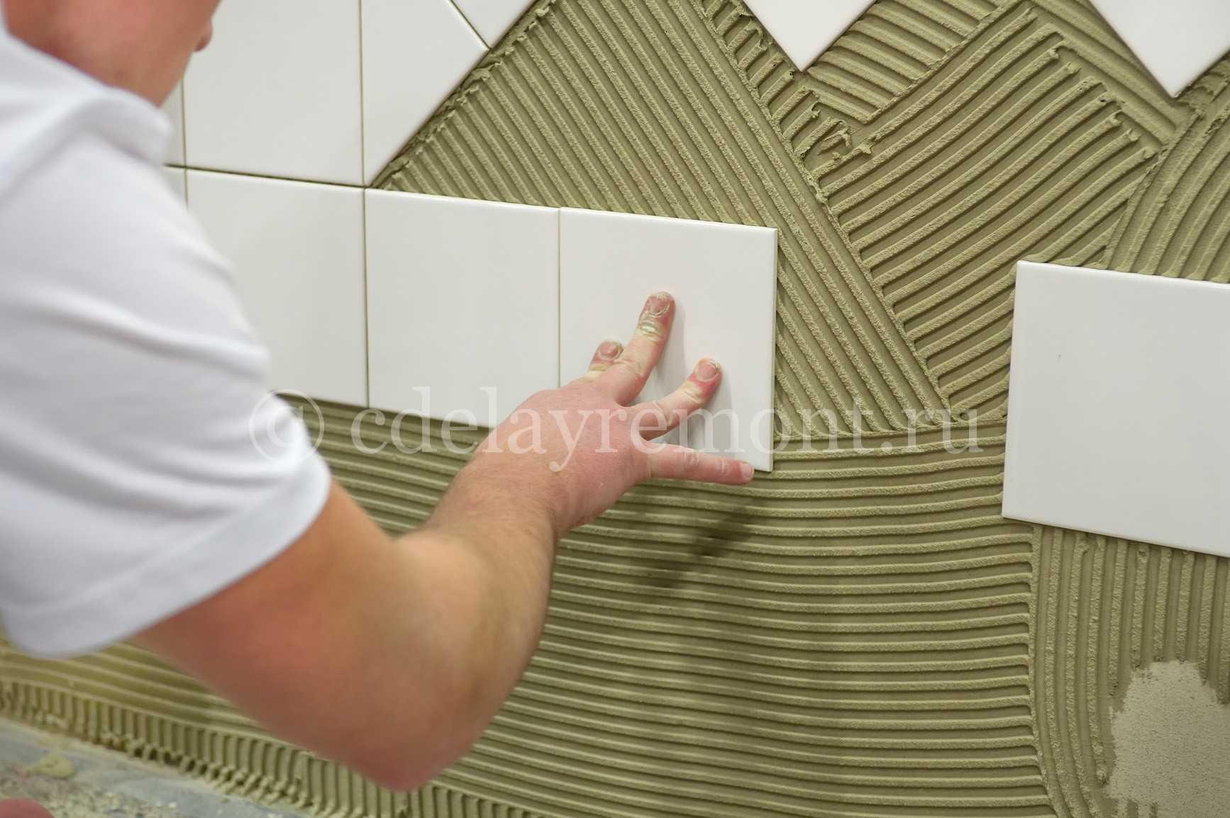 Поклейка плитки на стену своими руками