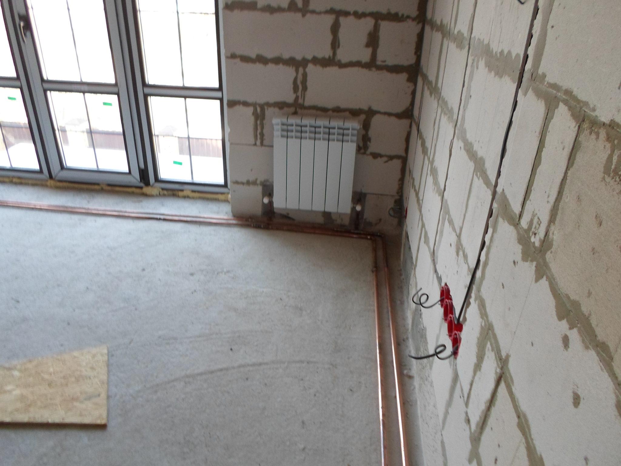 Установка радиатора по центру стены
