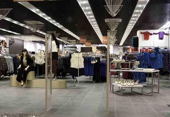 Магазин одежды в гипермаркете