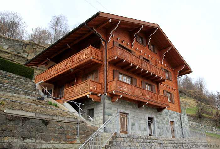 Дом, построенный из клееного бруса