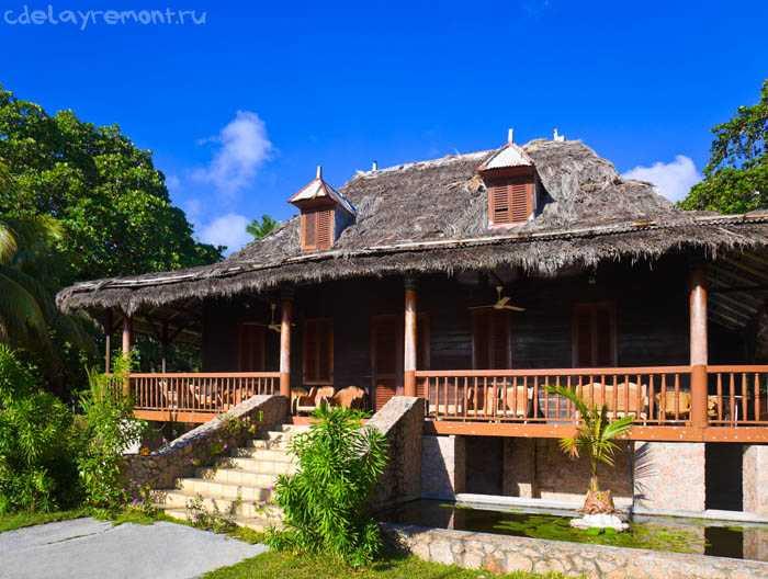 Терраса в доме (колониальный стиль)