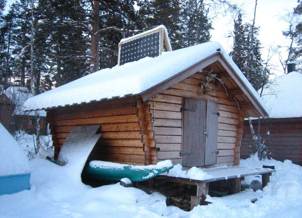 В районах, где возможно выпадение снега, солнечные панели рекомендуется устанавливать вертикально
