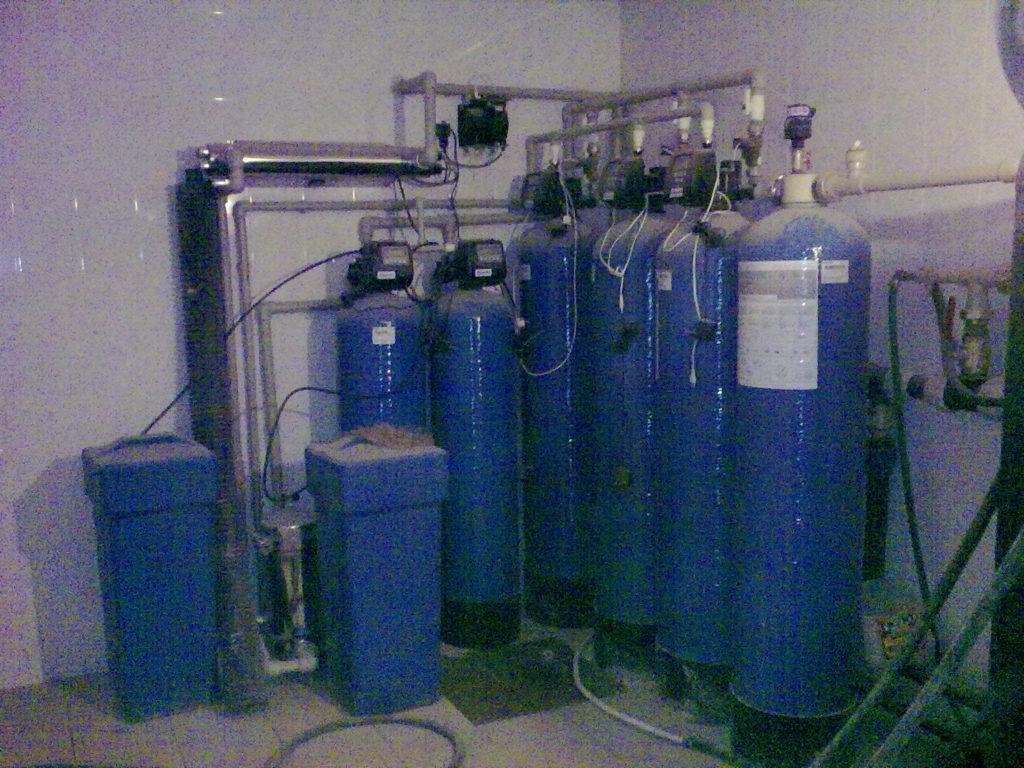 Автономное зимнее водоснабжение дома, установка фильтров для загородного водопровода, продажа оборудования, установка питьевой воды
