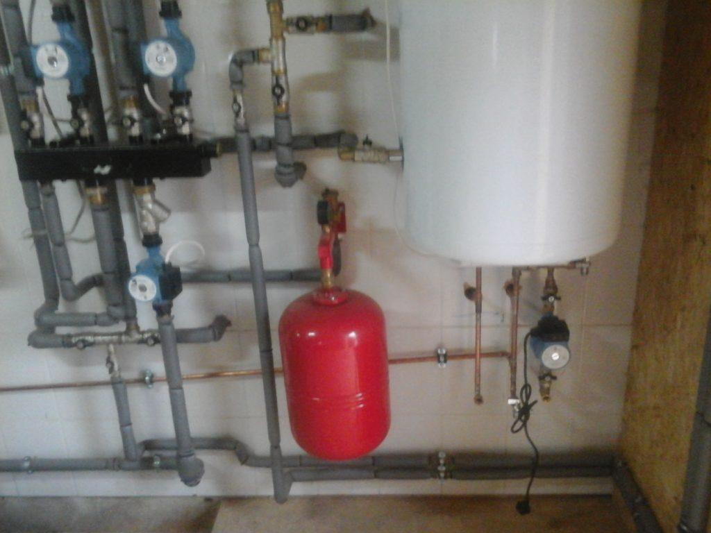 Установка расширительного бака отопления, Монтаж системы отопления
