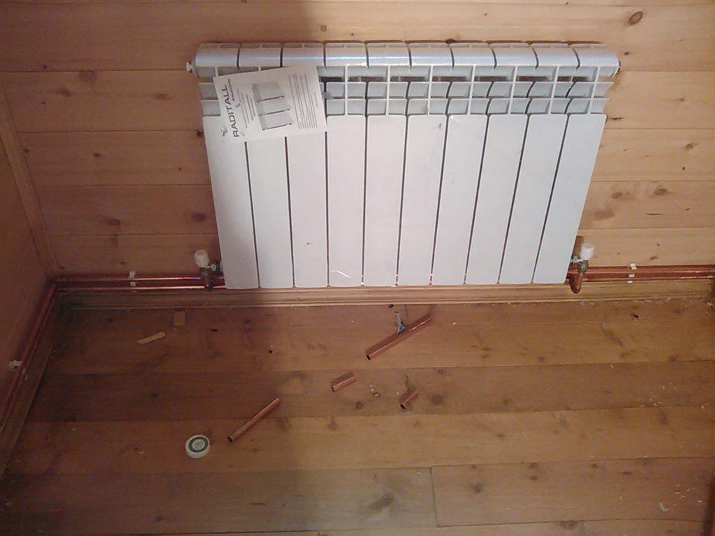 Монтаж радиатора на штатное место