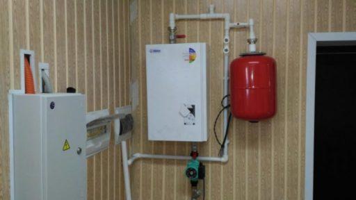 Водяное отопление электричеством загородного дома с позиции комфорта