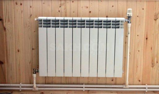 Монтаж труб к радиатору отопления